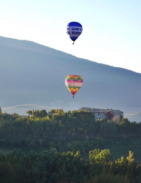 Balloon flight in Umbria.jpg
