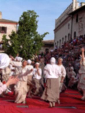 spring festival Umbria.jpg