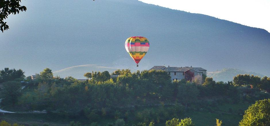 hot air baloon flight Umbria.jpg