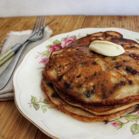 CHOCOLATE CHIP & BANANA PANCAKES