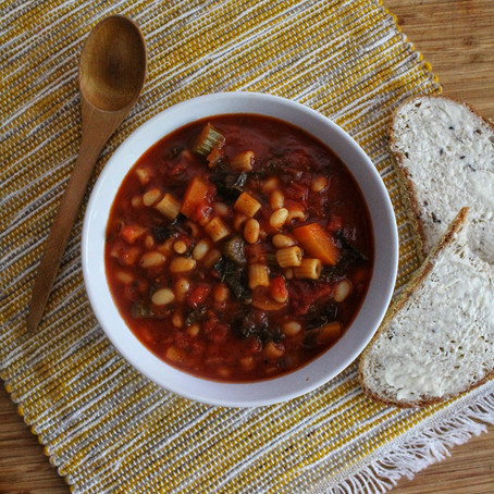 VEGETABLES, WHITE NAVY BEANS AND PASTA SOUP