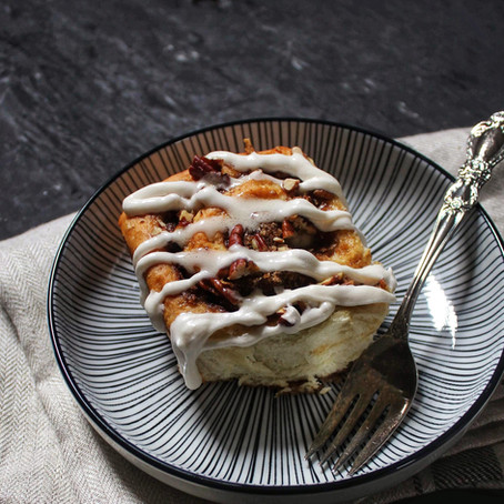 Pecan, nutmeg and cinnamon rolls