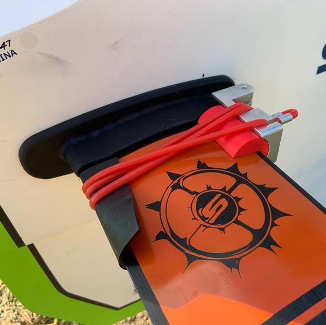 BoomiX Foil Mast Adapter