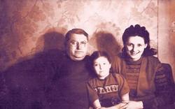 רודולף – ראובן - וברברה  - בתיה) פדור - רופאי השיניים של מוסדות הילדים בלינדנפלס והבת סילביה