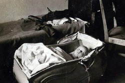 ינואר 1949 ויילהיים - המיטה -- העריסה והעגלה של דני