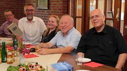 ביקור בסנגוורדן אצל הבישוף המקומי והספר