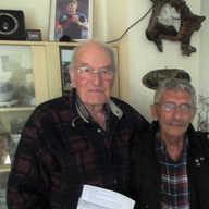 המעפיל אריה איתמר ותום דייל נפגשו אחרי 70 שנה