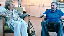 רות גרובר בביקור אצל מרדכי רוזמן בקבוץ העוגן 2010