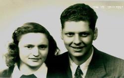 אמא ואבא בשנת 1946 בהכשרה של בחד מחליטים להעפיל לארץ ישראל