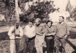 מרדכי רוזמן פרדסן בקבוץ העוגן