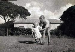 יולי 1949 - דני ומיכאל בשפיים