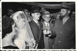 יצחק מגן ביום חתונתו