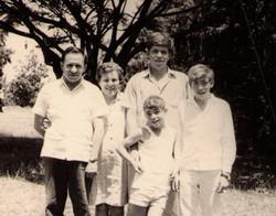 בשנת 1962 עברה שפחת רוזמן לקבוץ העוגן
