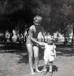 יוני 1950 - דני ומיכאל בשפיים
