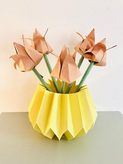 Origami Blumenstrauß mit pliseea Vase