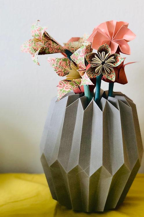 Origami Blumenstrauß mit Plissee Vase Mittel Taupe-Coral