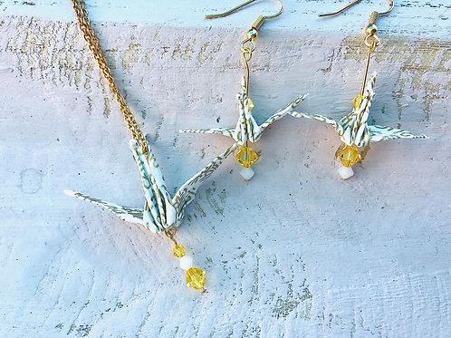 Origami Ohrringe Kranich  Weiß-Gold mit Swarovski Grasperlen