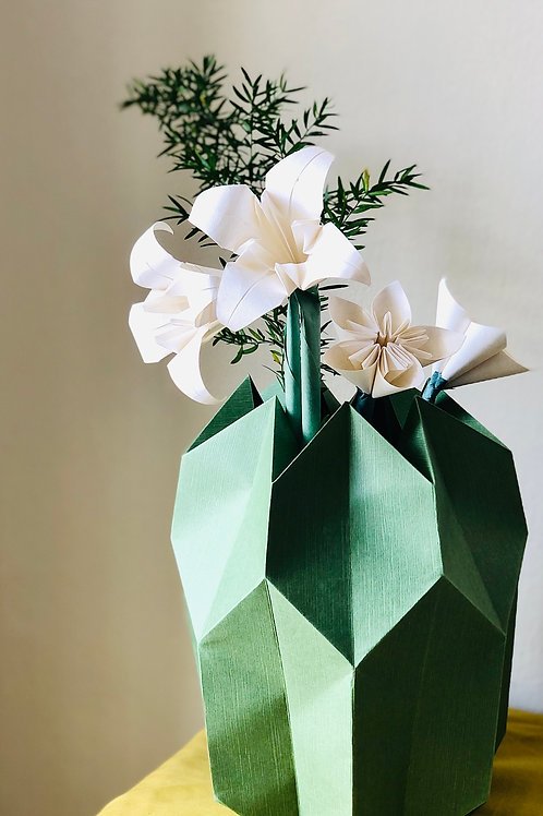 Origami Blumenstrauß mit Plissee Vase Mittel Grün-Weiß