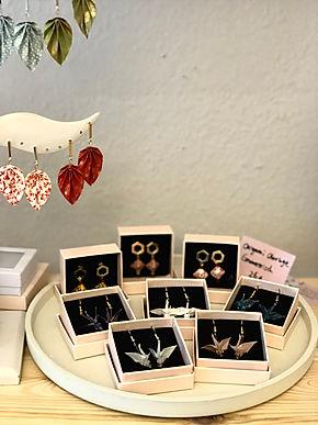 Japan in München kawaii japandesign handgemachte origamischmuck  chiyogami origamifalten einzigartiges Geschenk Weihnachtsgeschenk Swarovaski Perlen Origamischmuck Workshop in München