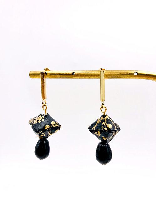 Origami Ohrringe Geometrisch Scwarz Gold mit SwarovskiPerlen Tropfenfor