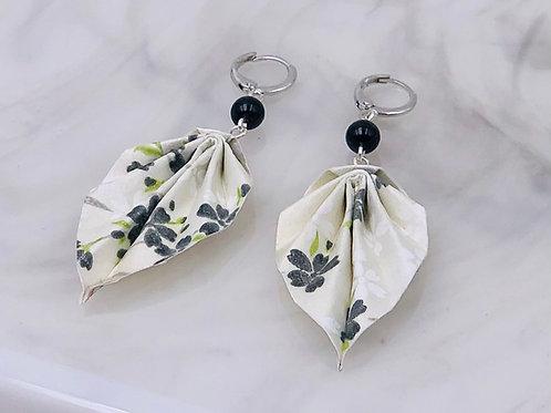 Origamischmuck Ohrringe Blätter Sakura Schwarz Weiss mit Swarovski Perlen