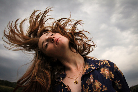 Girl_RedHair_Storm_France_Countryside_20