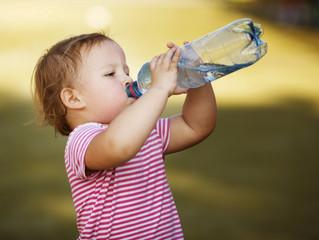 3 aplicativos que podem te ajudar a beber água