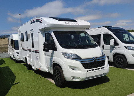 390-caravanas-europeas-pamplona-01_edited.jpg