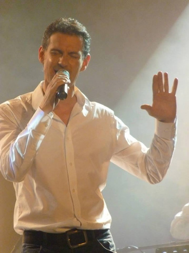 chanteur_pop_FrederickArno_concert