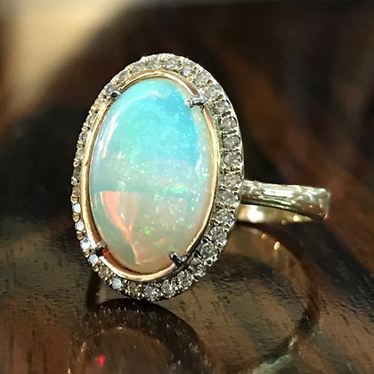 Opal Ring in 14kt Gold
