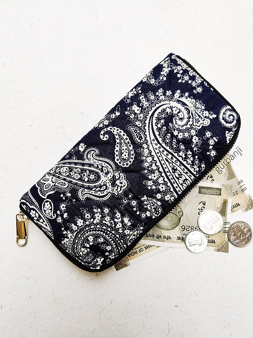 Blue blossoms quilted wallet