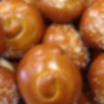 pretzelrolls.jpg