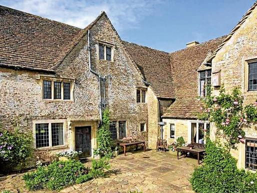 Conocé la casa de campo que Carlos de Inglaterra puso en venta!