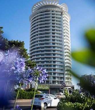 Punta del Este: se inauguró la torre diseñada por Ott