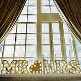 illuminated mr & mrs wedding lights