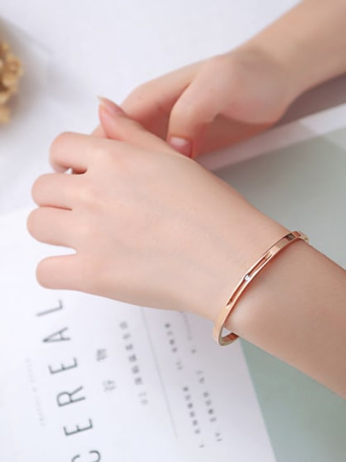 Rose gold Colour Stainless Steel With Zirconia in minimalist style Bangle 1786