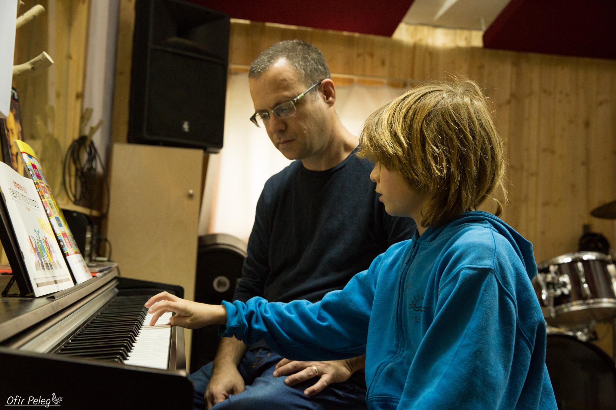 גלעד שיעורי פסנתר-12