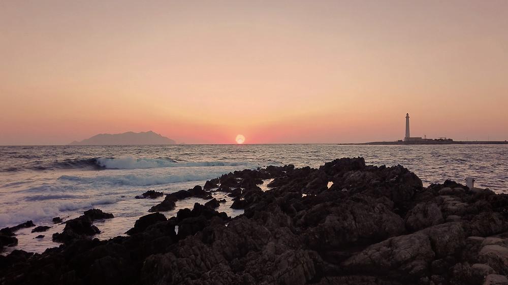 Cala Grande e Faro di Punta Sottlie - Favignana