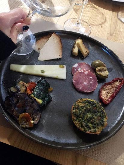 Antipasti in cantina, weekend romantico a Taormina