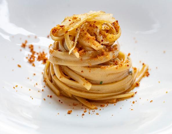Linguina con salsa di cipollotto, limone e finta bottarga di triglia