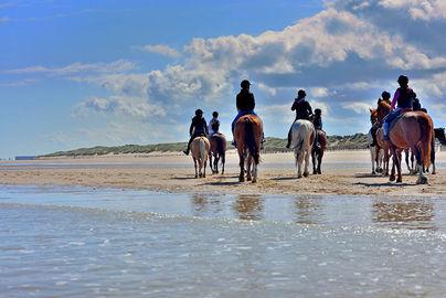 Passeggiata a cavallo sulla spiaggia, Taormina weekend romantico