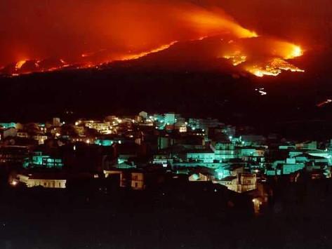 """Eruzione Etna 1981: 40 anni dopo che """"Idda"""" minacciò Randazzo"""