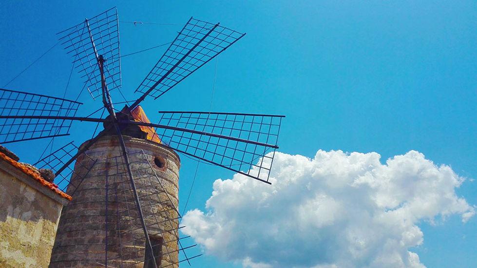 Mulini a vento alle Saline di Marsala