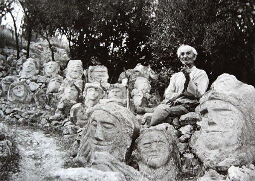 Il Giardino Incantato di Sciacca, foto antica con Filippo Bentivegna