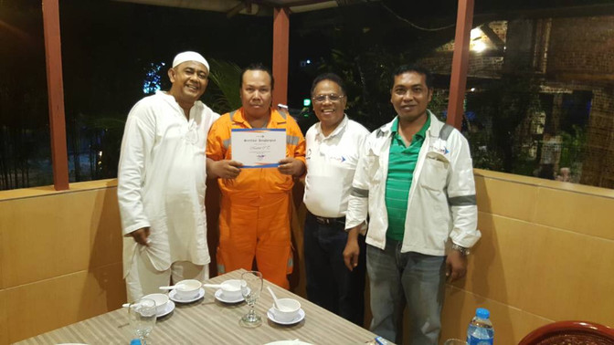 3 Employees of PT.Tri Link Indonesia         in Saipem Karimun Yard Awarded the Certificate of Appre