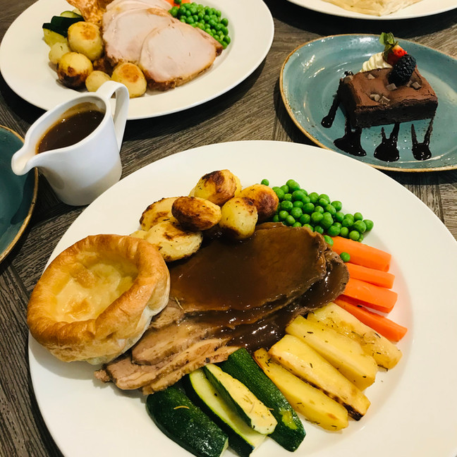 Selection of dishes from Sunday Roast.jp