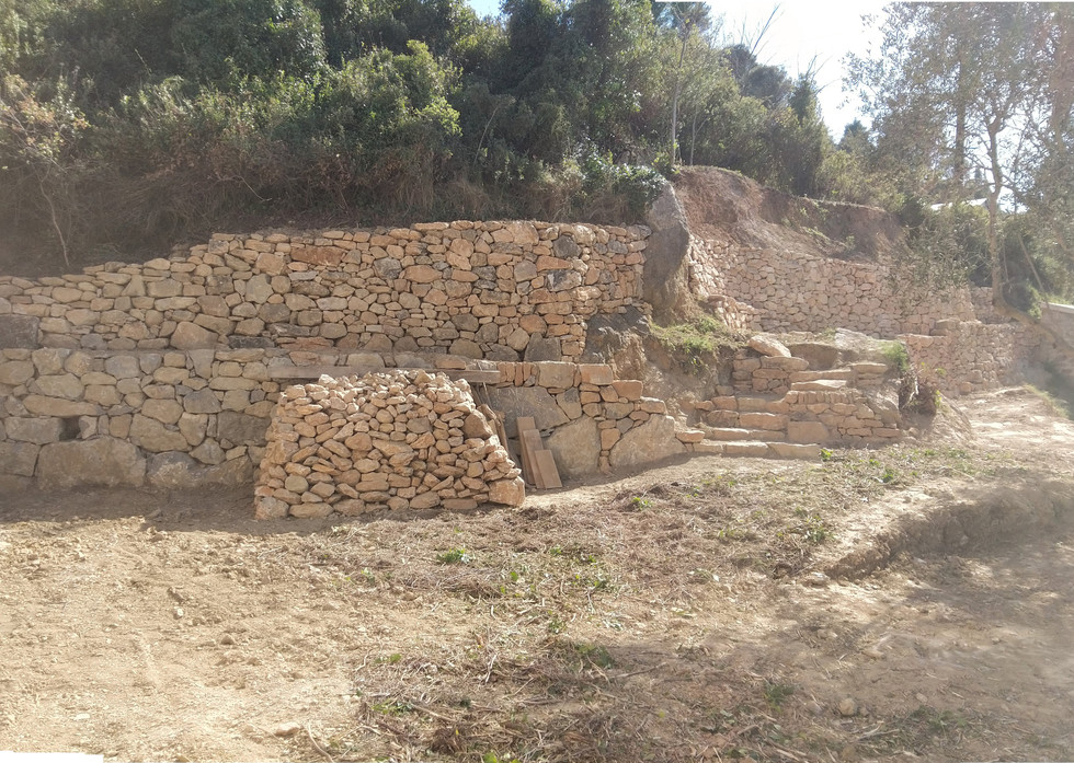 Habillage des talus en pierre sèche