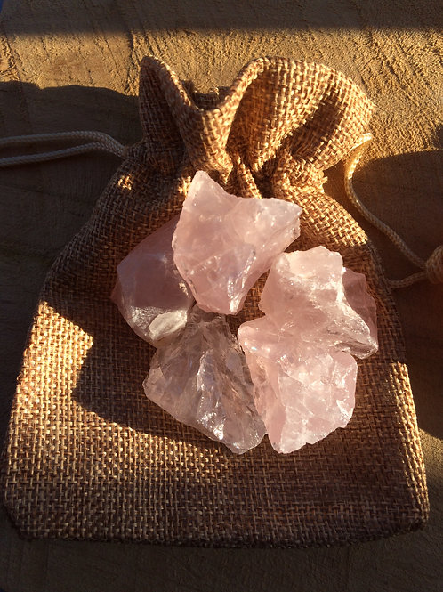 Ruženín, kamene na prípravu ruženínovej vody