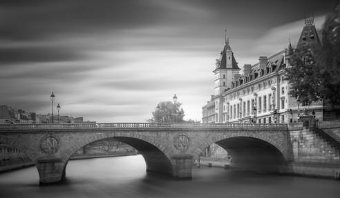pont-neuf-paris-france