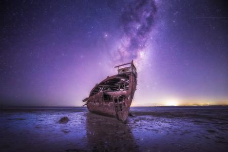jannie-seddon-shipwreck-milky-way-new-zealand